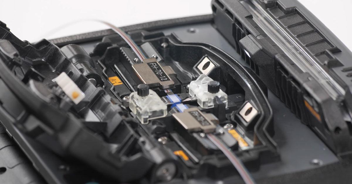 maquina-de-fusao-de-fibra-optica-para-cabo-ribbon